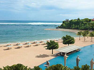 Ocean Pool & Beachfront Area