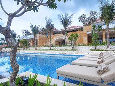 The Aqua Pool at Mulia Villas