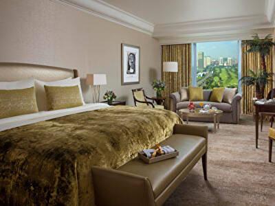 Grandeur Deluxe King Bed